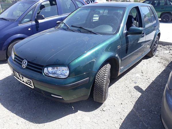 volkswagen-golf-4-1-2
