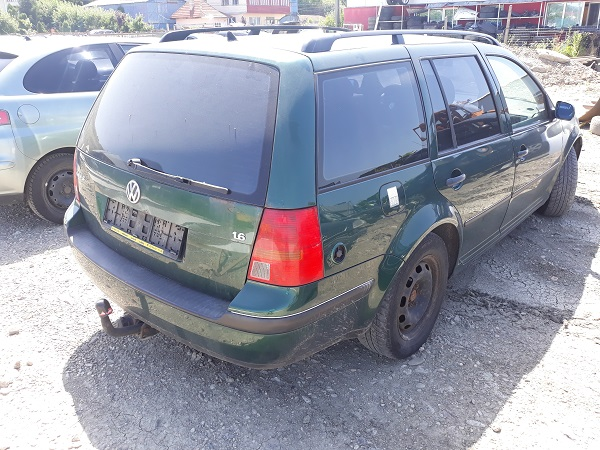 volkswagen-golf-4-8